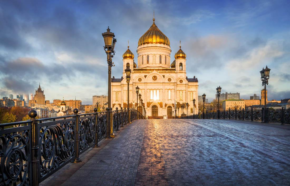 俄罗斯莫斯科+圣彼得堡8龙8国际老虎机